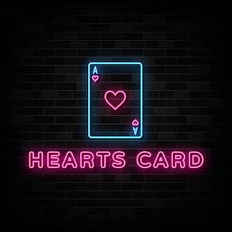 Letrero de neón de la tarjeta del corazón. plantilla de diseño de letrero de neón