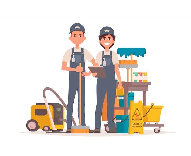 Limpiadores de oficina profesionales con equipo de limpieza.