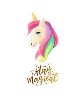 Linda cara de unicornio en estilo plano con texto de letras a mano permanece mágico