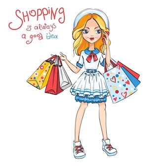 Linda chica de moda en vestido y sombrero con compras