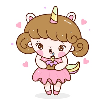 Linda chica con pastel para fiesta de cumpleaños en vestido de unicornio