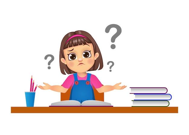 Linda chica tiene dudas mientras estudia