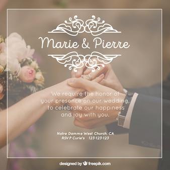 Linda invitación de boda con ornamentos blancos