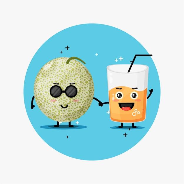 Linda mascota de jugo de melón y melón tomados de la mano