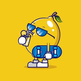 De linda mascota de limón con gafas de sol y bebiendo limonada