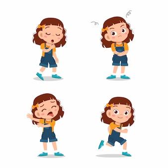 Linda niña niño posa con varios conjuntos de expresiones
