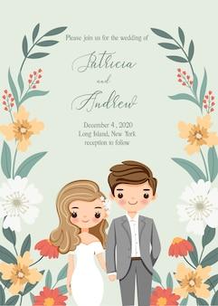 Linda novia y el novio con la tarjeta de invitación de boda de flores