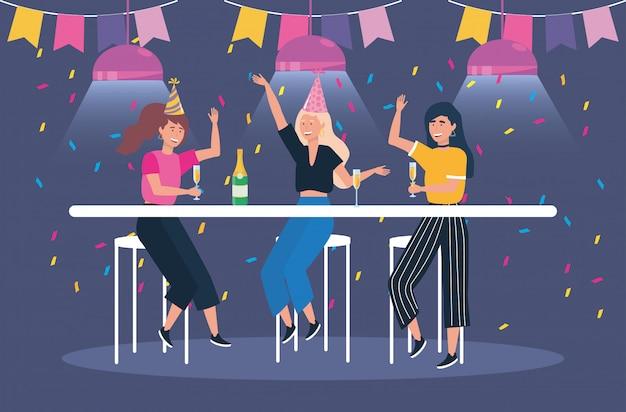 Lindas mujeres con champagne y fiesta.