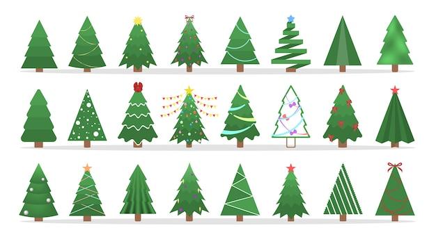 Lindo árbol de navidad verde de diferente forma. colección de árbol de navidad con guirnaldas y otra decoración.