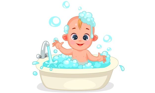 De lindo bebé bañándose con espuma y burbujas