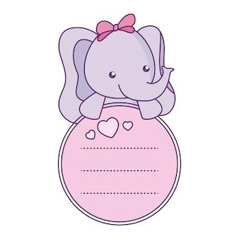 Lindo bebé elefante pequeño con tarjeta