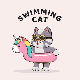 Lindo gato con flotador de unicornio