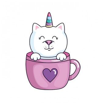 Lindo gato unicornio fantasía en copa diseño de ilustración vectorial