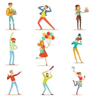 Lindo gracioso salchicha humanizada, tocino, salami que muestra diferentes emociones conjunto de personajes coloridos ilustraciones sobre fondo blanco.
