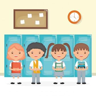 Lindo grupo de pequeños estudiantes en la escena de la escuela.
