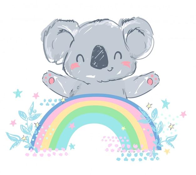 Lindo koala gris está sentado en un arco iris. ilustración infantil de stock. fondo rosa con corazón.