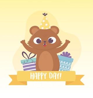 Lindo oso con gorro de fiesta y cajas de regalo celebración feliz día tarjeta de felicitación