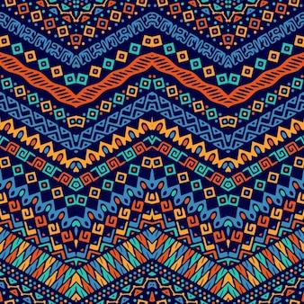 Lindo patrón con ornamentos étnicos