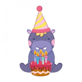 Lindo y pequeño elefante con sombrero de fiesta y dulce pastel.