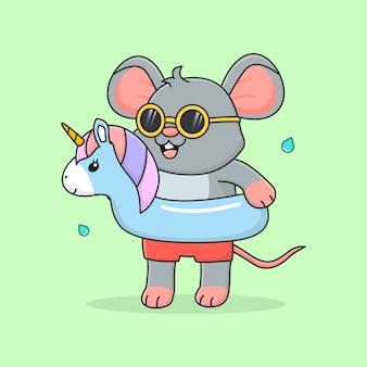 Lindo ratón con anillo de natación unicornio y gafas de sol