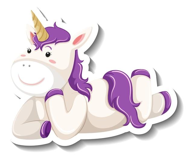 Lindo unicornio tendido pose sobre fondo blanco.