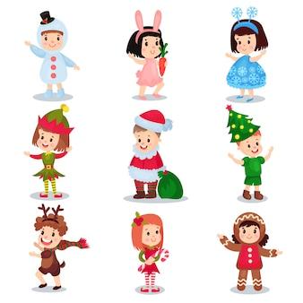Lindos niños pequeños con trajes de navidad, niños felices en trajes de duende, muñeco de nieve, renos, santa claus, árbol de navidad, copo de nieve, pan de jengibre, conejito ilustraciones de dibujos animados