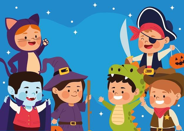 Lindos niños vestidos como personajes diferentes en la escena nocturna, diseño de ilustraciones vectoriales