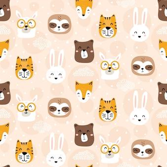 Lindos personajes animales infantiles de patrones sin fisuras
