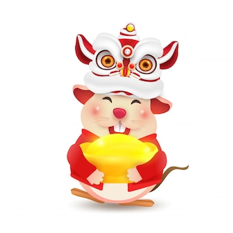 Little rat or mouse realiza la danza del león del año nuevo chino. aislado.