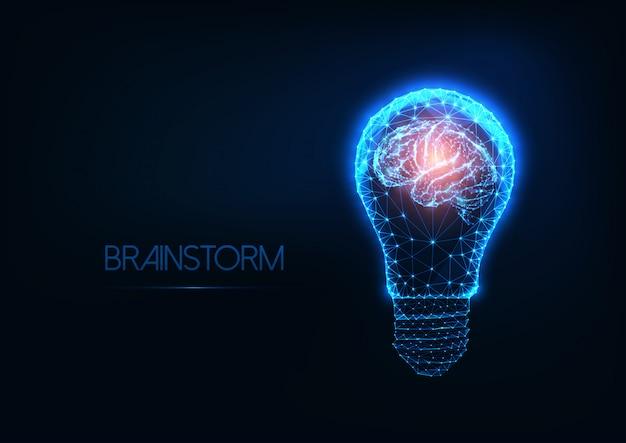 Lluvia de ideas con bombilla futurista brillante bajo poligonal y cerebro humano.