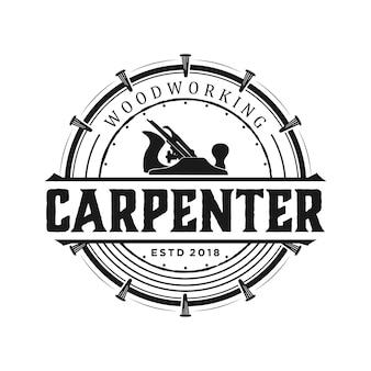 Logo carpintero vintage