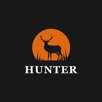 Logo de ciervo cazador inspirado.