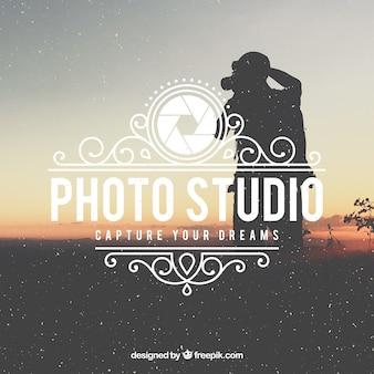 Logo de fotografía vintage con foto de fondo