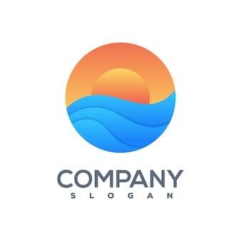 Logo del mar listo para usar
