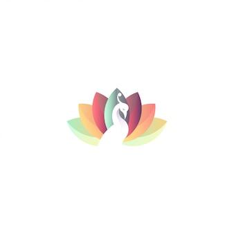 Logo premium de pavo real y loto