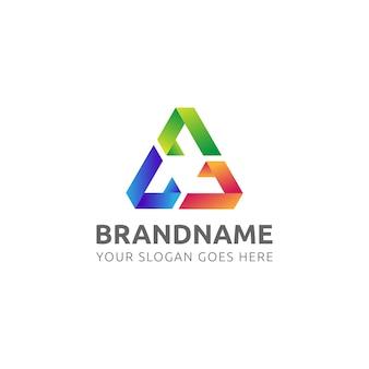 Logo triángulo colorido