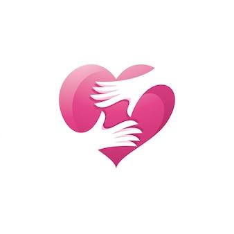 Logotipo de amor de corazón y cuidado de manos