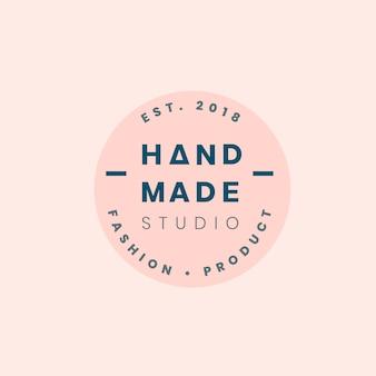 Logotipo de artesanías hechas a mano.