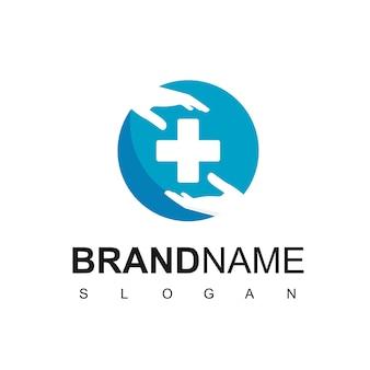 Logotipo de atención médica con la mano y el símbolo de la cruz