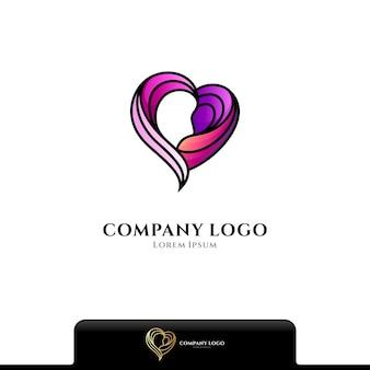Logotipo de belleza de amor aislado en blanco