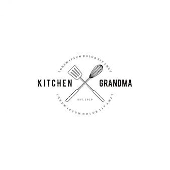 Logotipo de la cocina de la abuela, con elementos del equipo de cocina, una batidora manual y una espátula, logotipo del restaurante