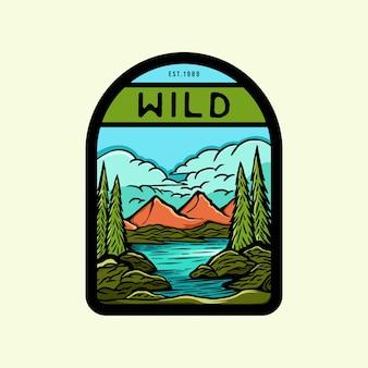 Logotipo colorido de la insignia de la aventura de la naturaleza