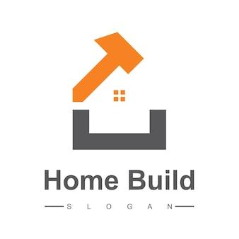 Logotipo de construcción de viviendas creativas con símbolo de martillo