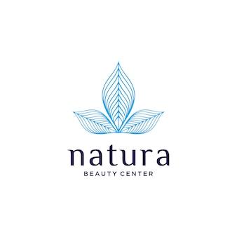 Logotipo cosmético natural con un hermoso concepto de flor