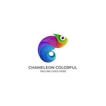 Logotipo de diseño colorido camaleón