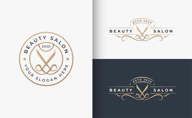 Logotipo de la insignia del salón de belleza del cabello dorado