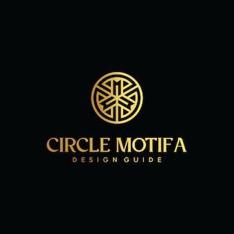 Logotipo de la letra inicial cm con plantilla de vector de círculo dorado