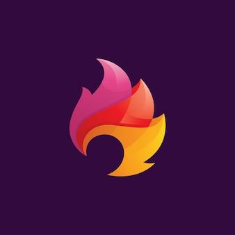 Logotipo de llama de fuego abstracto con color degradado superpuesto