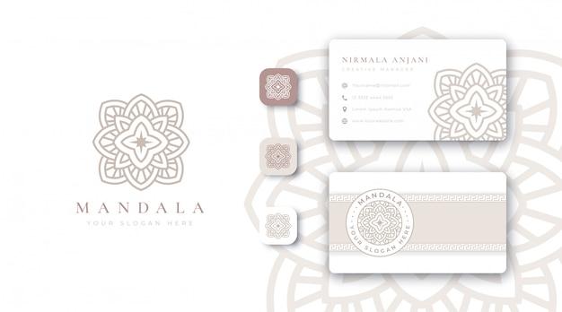 Logotipo de mandala dorado de lujo con tarjeta de visita