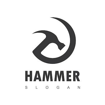 Logotipo de martillo para mantenimiento de construcción y reparación de viviendas